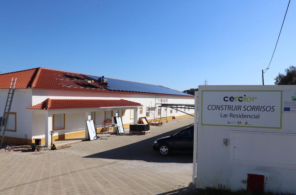 Panéis solares na Cercimor