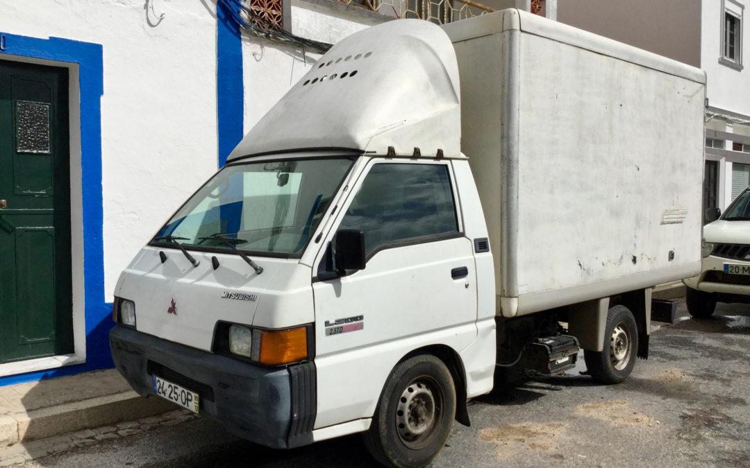 Carrinha frigorífica da Minga